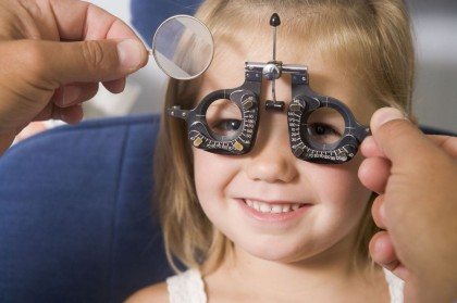 Fórmula de lentes (refracción) para niños que saben leer